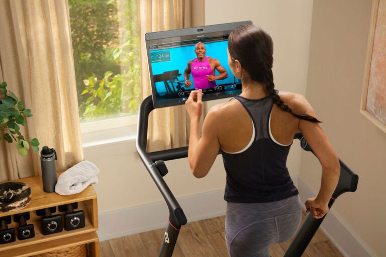 i-tried-the-sleek-new-peloton-tread-for-two-months-—-here's-my-review
