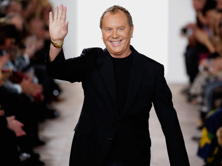 how-to-livestream-the-fall-2021-michael-kors-show-+-more-fashion-news-to-know