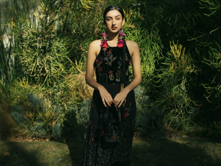 get-to-know-photojournalist-and-sustainable-style-activist-aditi-mayer