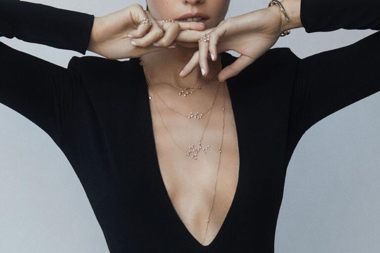 12-zodiac-necklaces-that-go-with-any-outfit